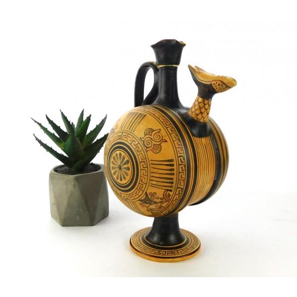 Barrel-shaped oinochoe