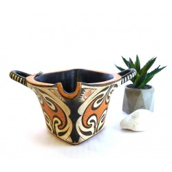 Minoan vase- Spouted jar